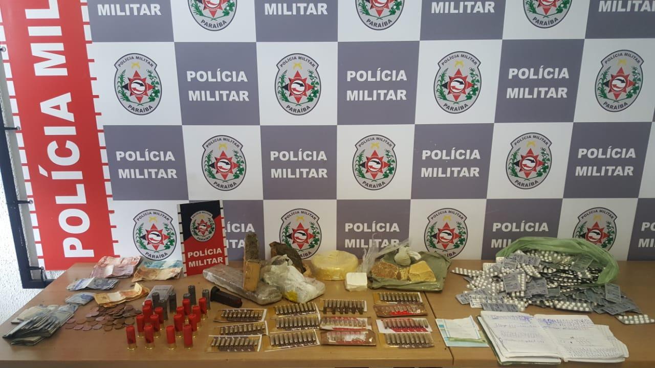 Polícia apreende mais de 100 munições, drogas e dinheiro com suspeito na Capital