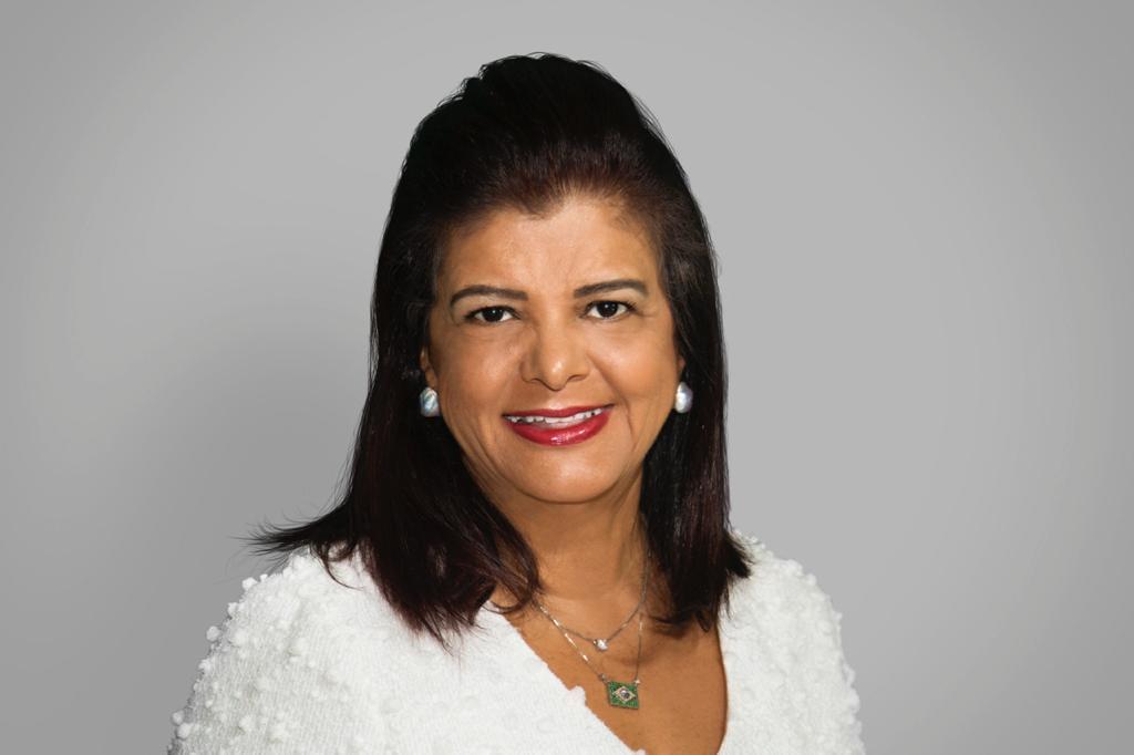 Luiza Helena Trajano participa da Feira Internacional de Negócios Criativos e Colaborativos
