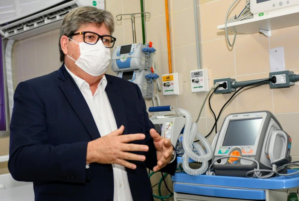 João Azevêdo anuncia distribuição de 84 leitos de UTI nos municípios paraibanos