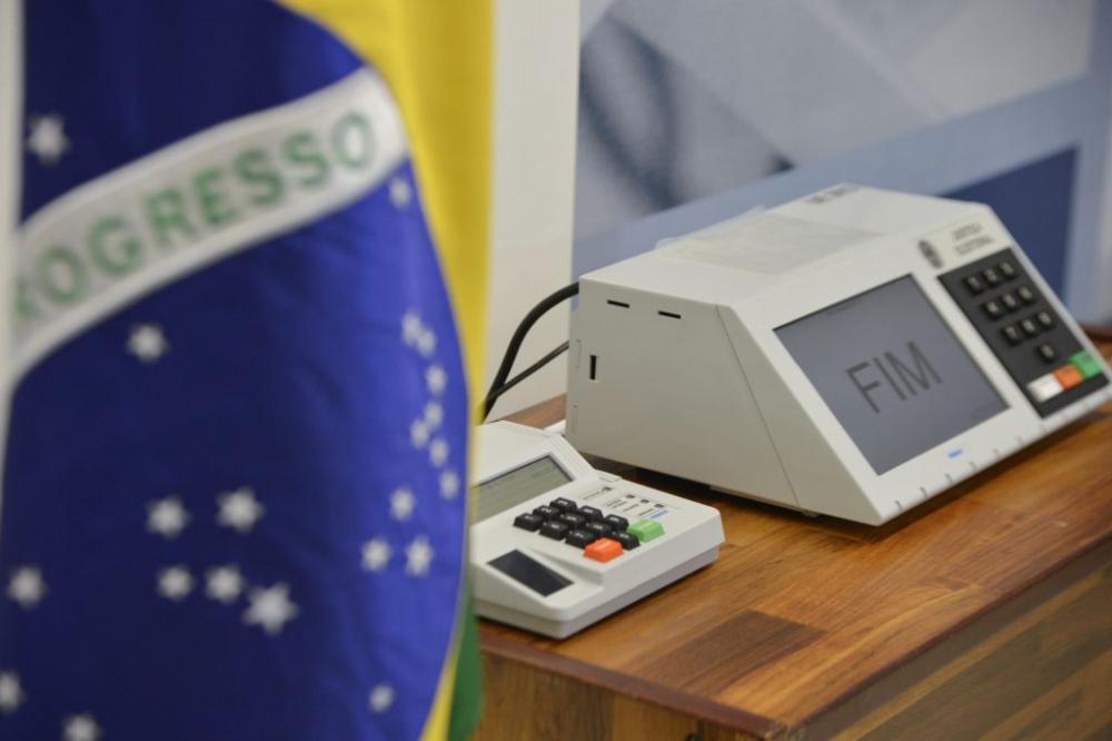 Câmara aprova adiamento das eleições para 15 e 29 de novembro de 2020