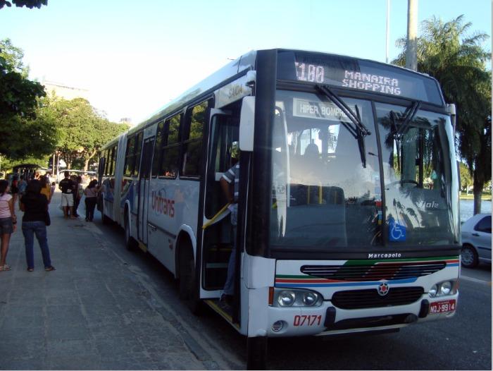 Ônibus voltam a circular com mudanças que tornam as viagens mais seguras