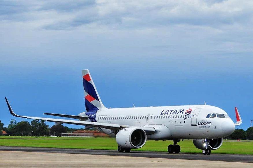 Avião fica sem condições de pouso por 30 minutos no Aeroporto Castro Pinto