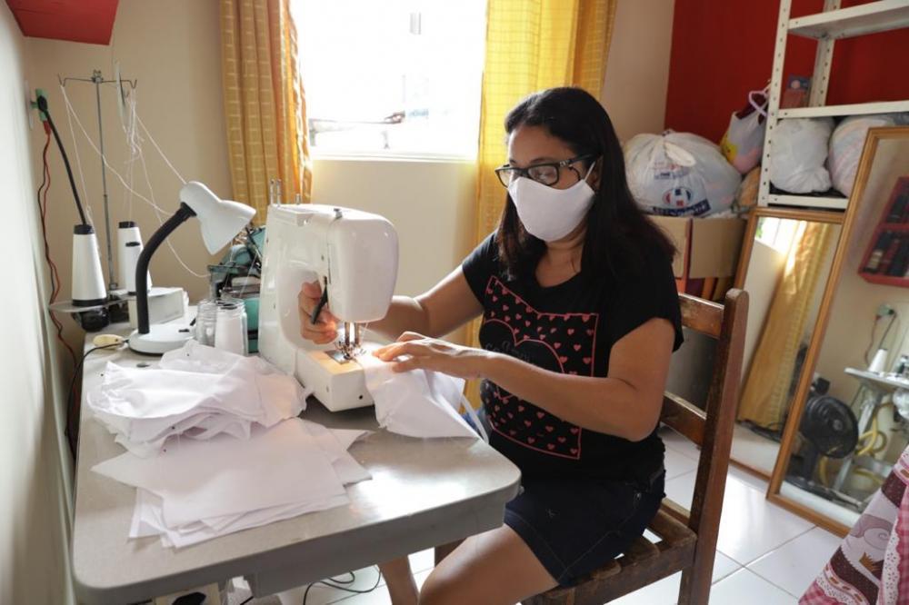 Prefeitura de Cabedelo alcança a marca de 20 mil máscaras de proteção produzidas e distribuídas à população